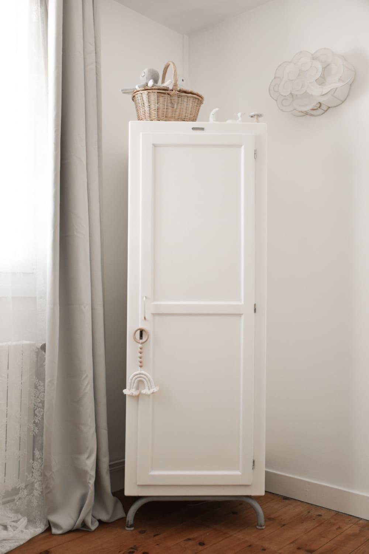 armoire des années 60 du designer Jacques Hitier