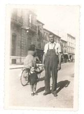 Joseph et son fils Hervé - Salon 1947