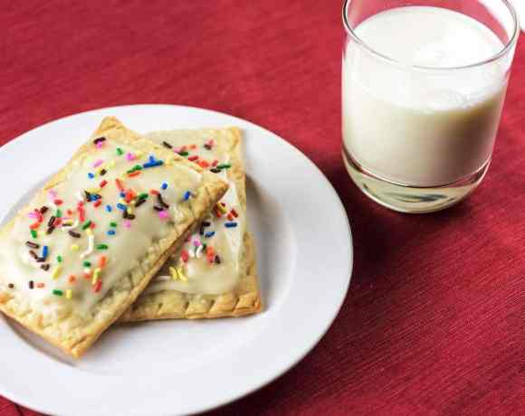 "Sunday Supper recipes: Homemade Strawberry ""Pop-Tarts"" #WeekdaySupper"