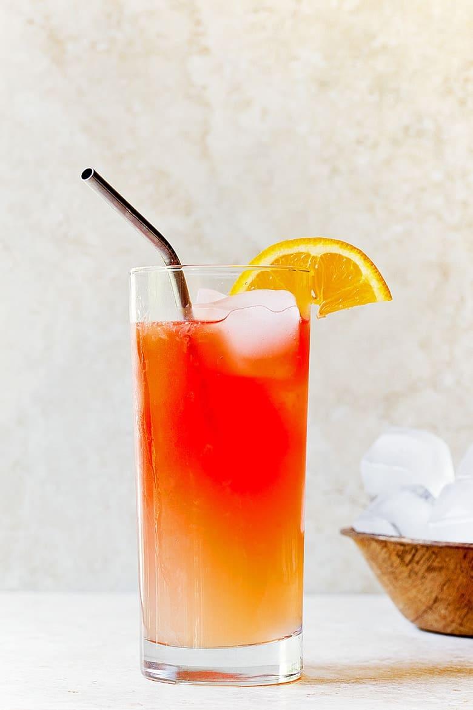 Simple Mixed Drinks - Campari Lemonade