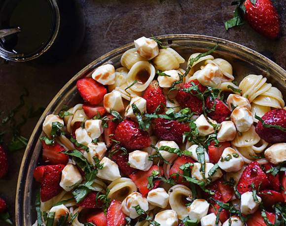 Healthy Family Recipes Using Stawberries #SundaySupper