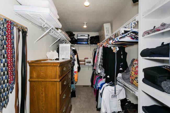 3650 N Main St El Dorado KS-large-049-019-Master Closet-1500x1000-72dpi