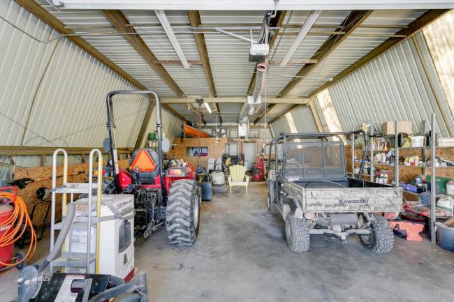 3650 N Main St El Dorado KS-large-113-048-Workshop Equipment Storage-1500x1000-72dpi