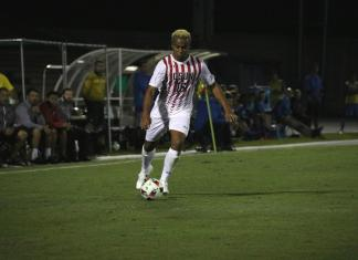 CSUN student takes control of the ball