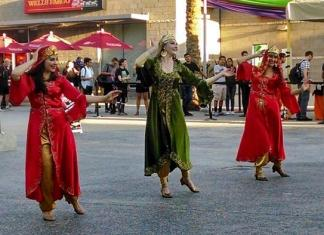 Persian dancers perform at csun