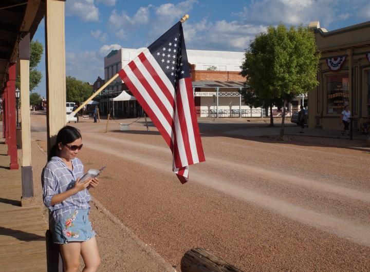 """Câu chuyện nước Mỹ: Đừng """"trèo thang"""" vội vàng"""