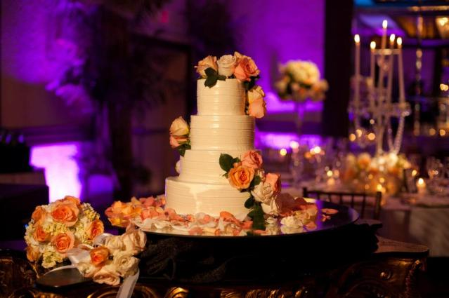 wedding cake with real roses