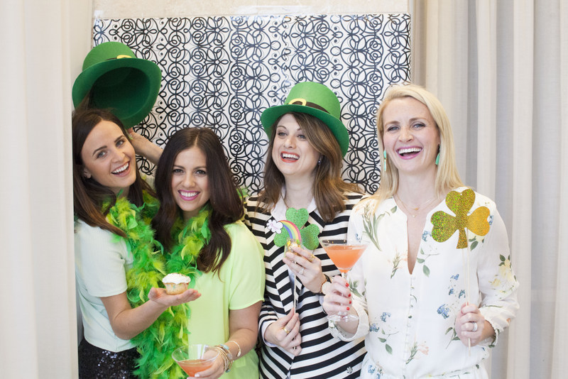 St. Patrick's Day DIY photobooth
