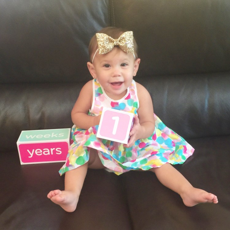baby girl first birthday picture