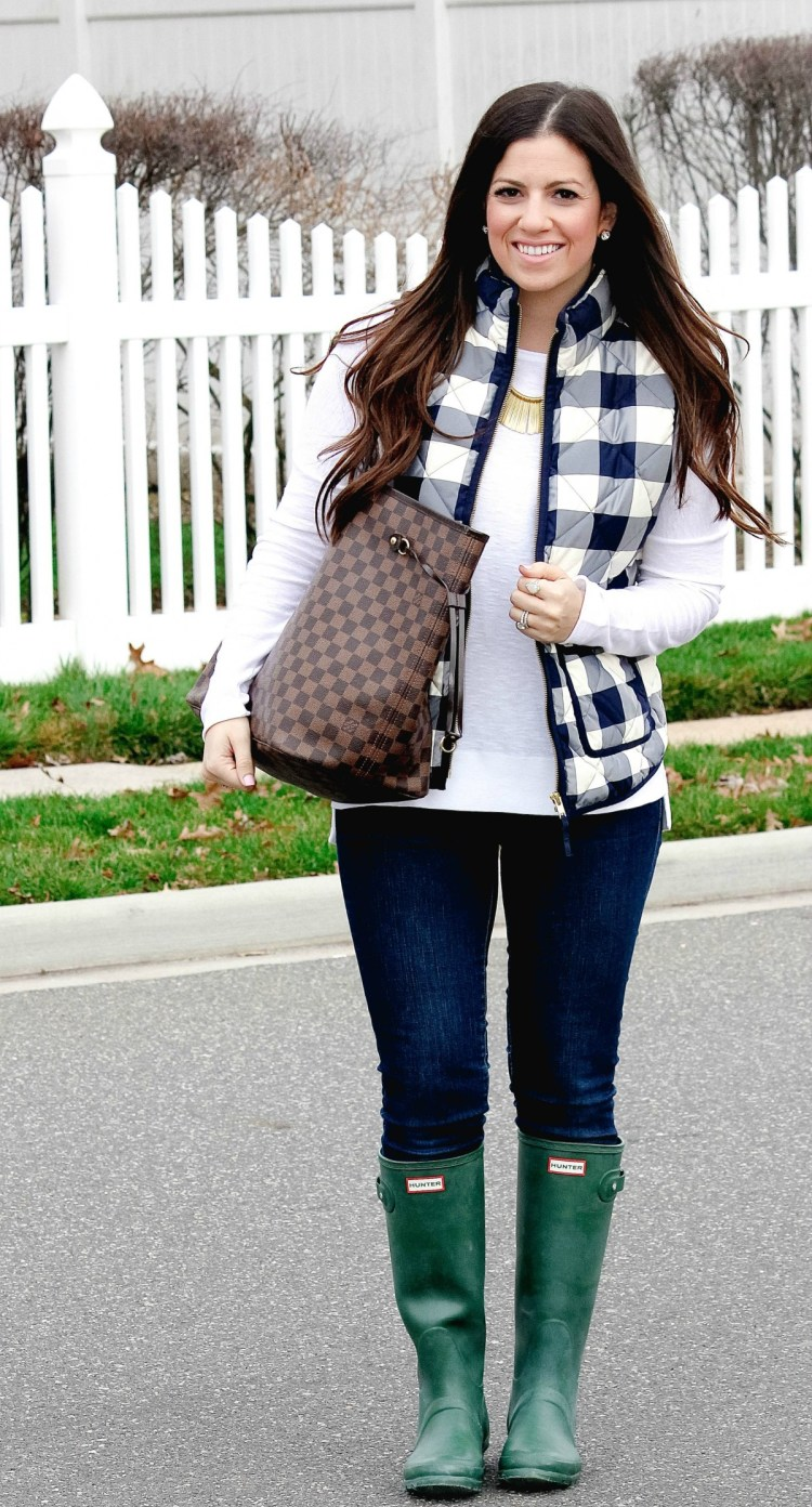 J Crew bubble vest, J Crew plaid vest, Sunflowers and Stilettos, cute winter outfit