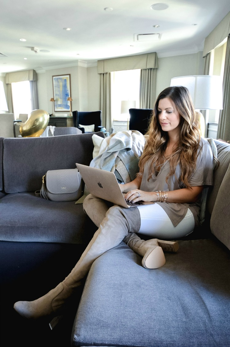 Fashion and Travel Blogger, Jaime Cittadino in Boston Park Plaza Presidential Suite