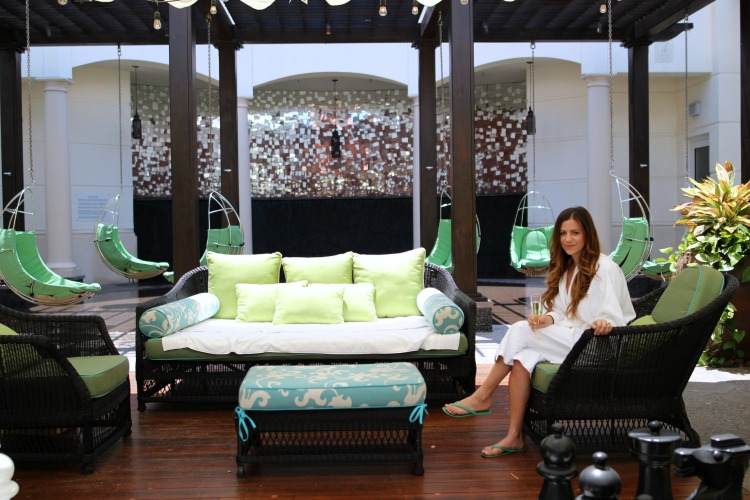 EAU Palm Beach Spa massage