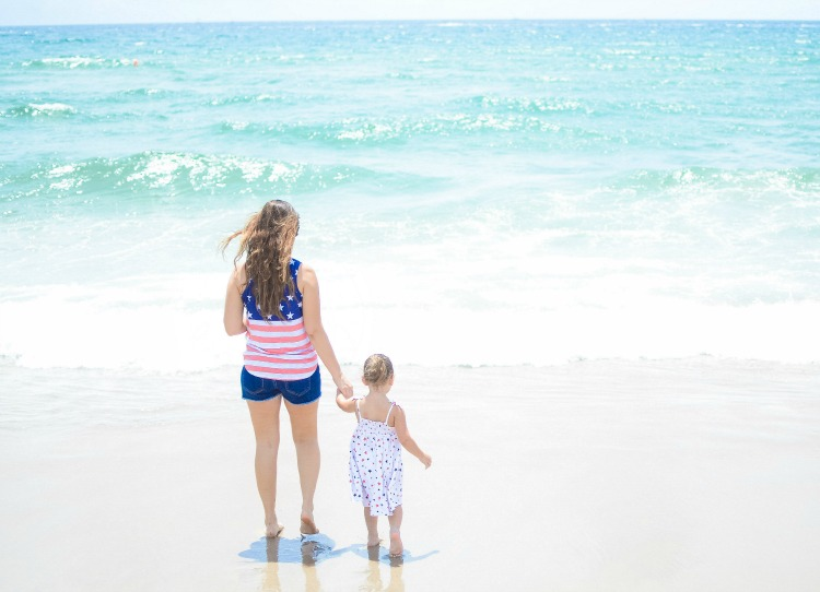 Mother Daughter Beach Day, American Style