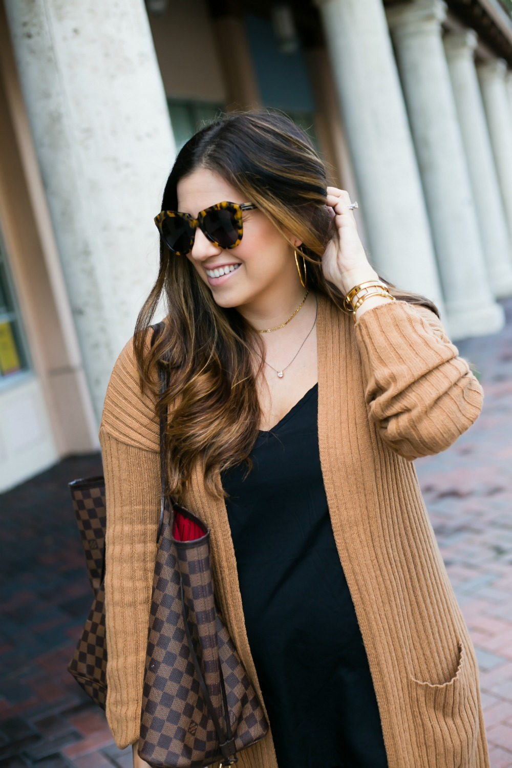 camel ribbed cardigan, Louis Vuitton Neverfull, Karen Walker tortoise sunglasses, Sunflowers and Stilettos blog