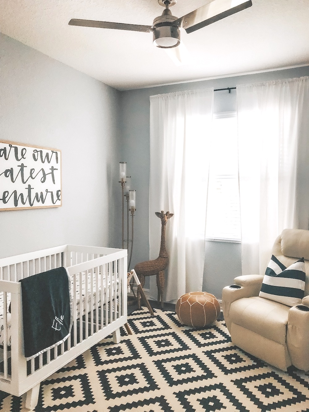 black and white baby nursery design inspo