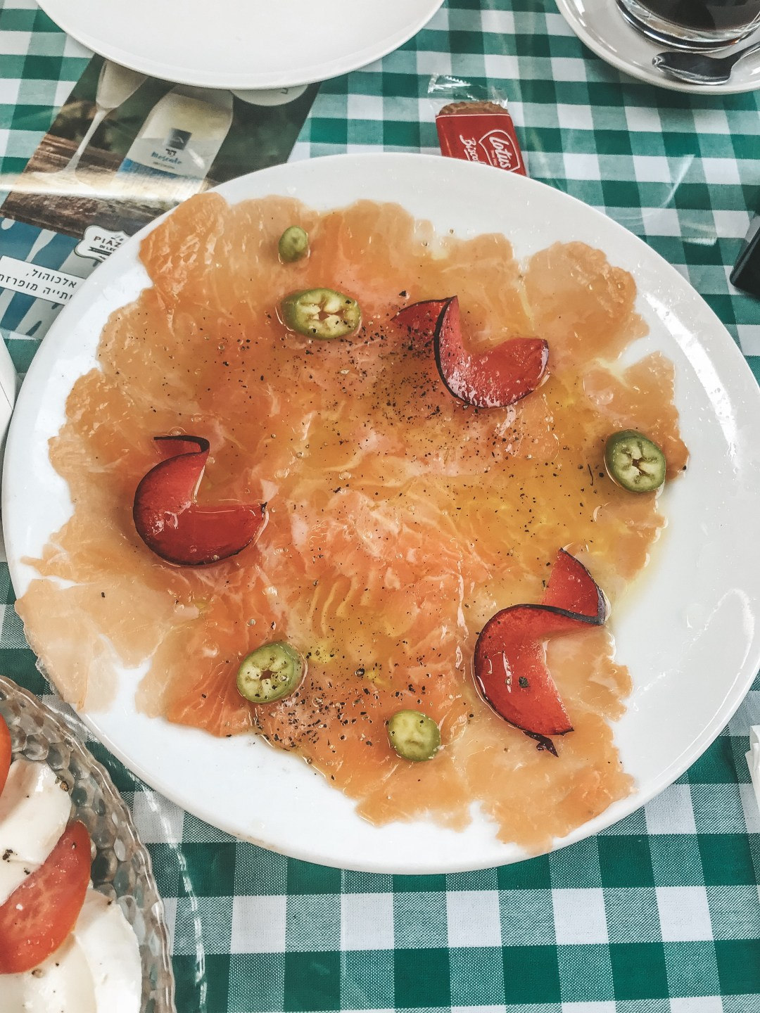 salmon carpaccio, Israel food