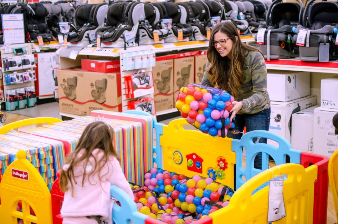 buybuy BABY toy ball pit, Jaime Cittadino mommy lifestyle blogger