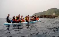 划著 XL SUP 板在豆腐岬浮潛