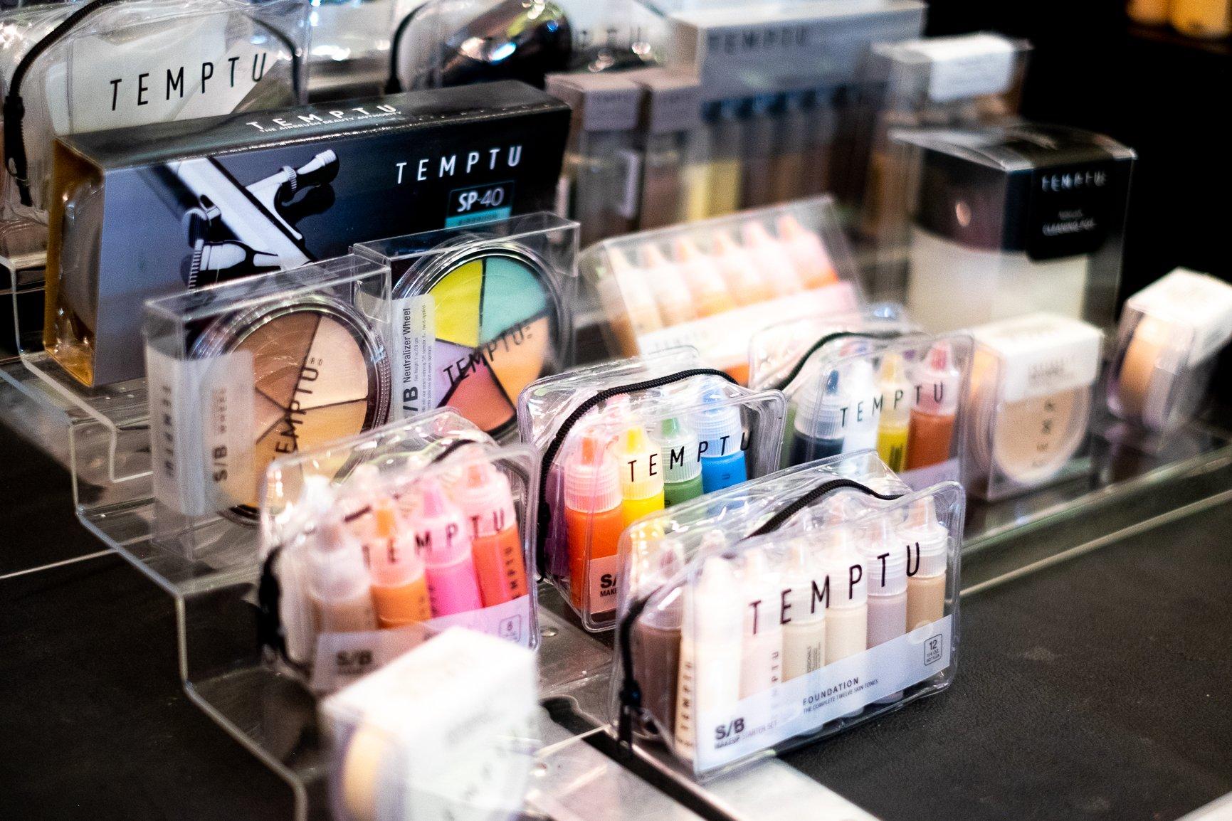 Temptu Makeup Stand