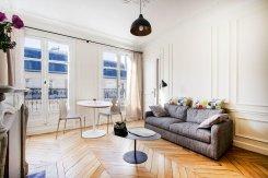 rue Tresor living room