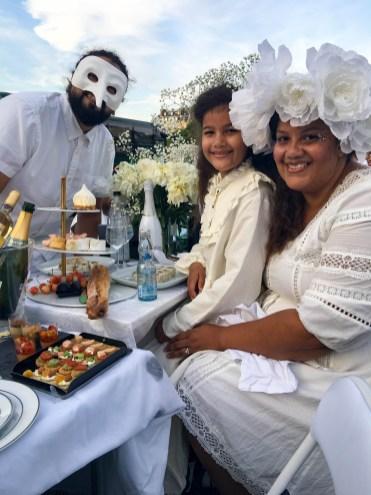 Diner en blanc family