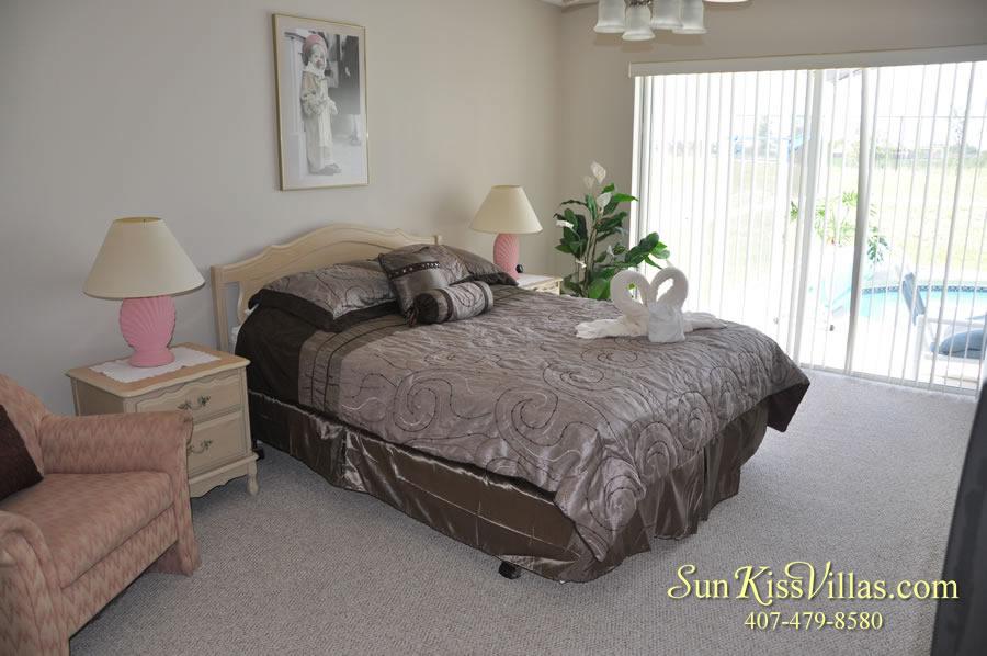 Vacation Rental Near Disney - Bahama Breeze - Master Bedroom