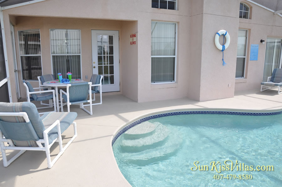 Vacation Rental Near Disney - Bahama Breeze - Pool and Covered Lanai