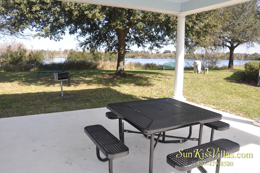 Bridgewater Crossing vacation home community picnic area