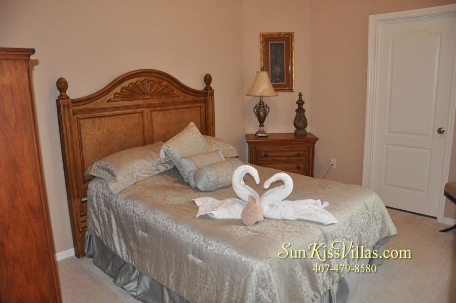 Orlando Disney Vacation Home Rental - Grand Hereon - Bedroom