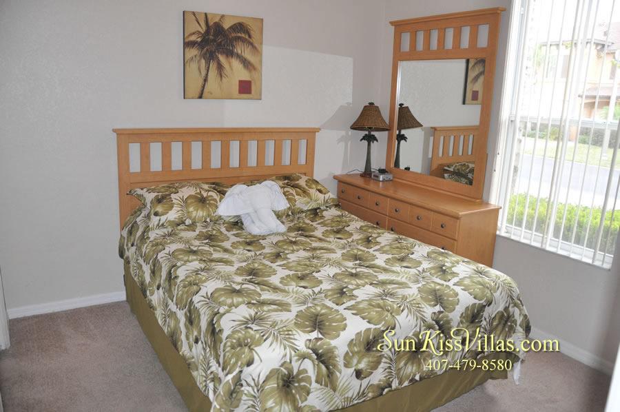 Disney Orlando Vacation Townhouse Rental - Quiet Cove - Master Bedroom