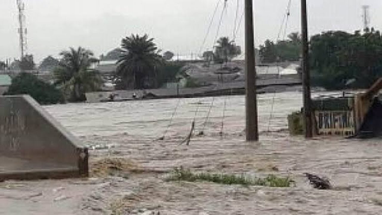 Some residents of Gwagwalada Area Council, Federal Capital Territory (FCT) on Thursday called on the government to demolish houses built on waterways in the council to avoid perennial flooding. The concerned resident made the call as a result of last Friday's downpour that resulted in flooding leading to destruction of property and loss of lives. […]