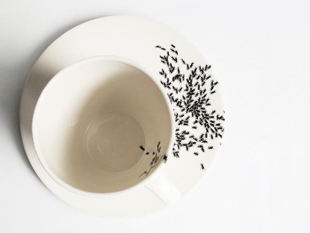 baileydoesntbark-ants-on-my-mug-and-plate