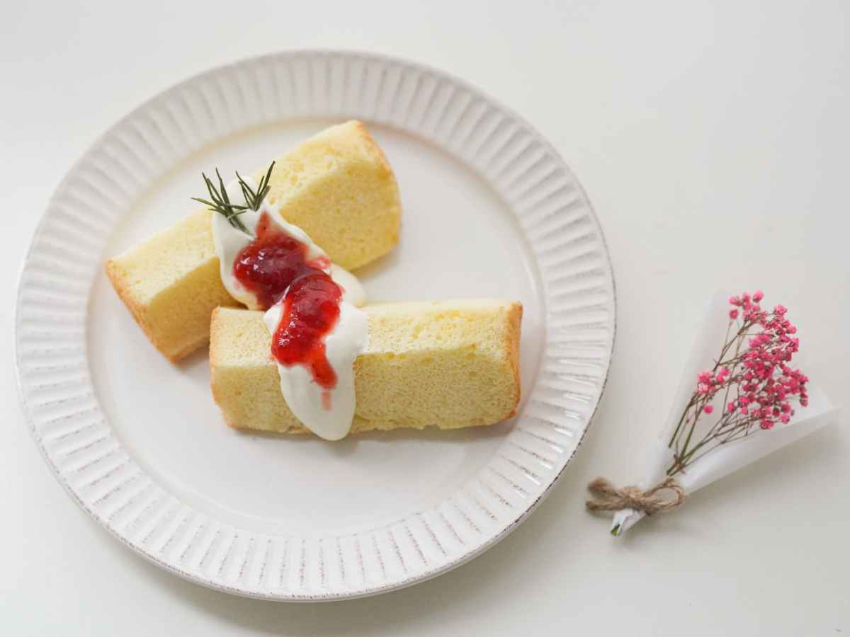 photo of two slices of cake