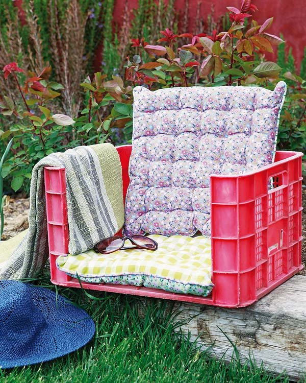 DIY Καρέκλα Κήπου Από Πλαστικά κιβώτια