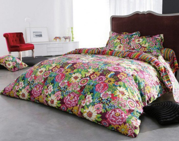inspirations-flower-pattern-bed-cover-for-bed-room-decorating
