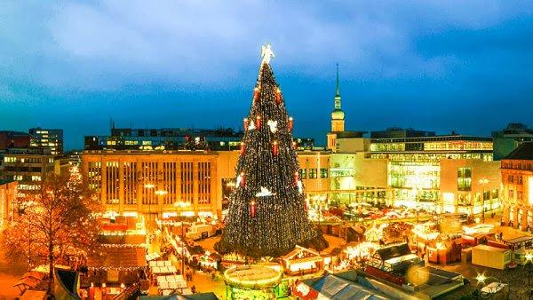 Τα πιο όμορφα χριστουγεννιάτικα δέντρα στον κόσμο8