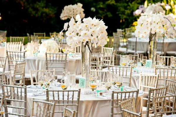 Εκπληκτικές ιδέες διακόσμησης με λουλούδια για το γάμο σας11