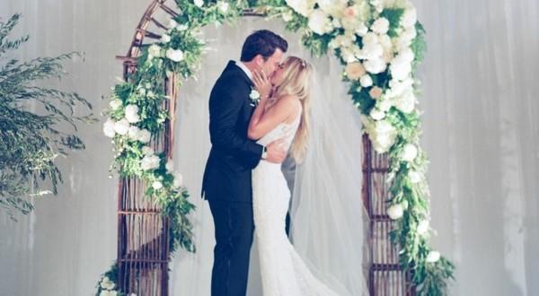 Εκπληκτικές ιδέες διακόσμησης με λουλούδια για το γάμο σας12