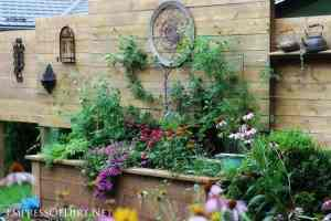 Raised Garden Bed with Privacy Wall