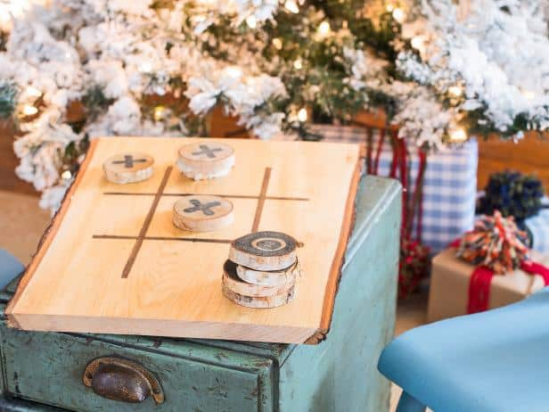 DIY Christmas Gift Tic Tac Toe Board