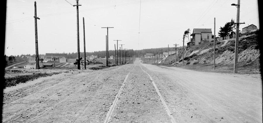 Looking westward on Sunnyside Avenue, at Detroit Street | May 20, 1909. Image courtesy SFMTA. SFMTA.com/photoshelter/