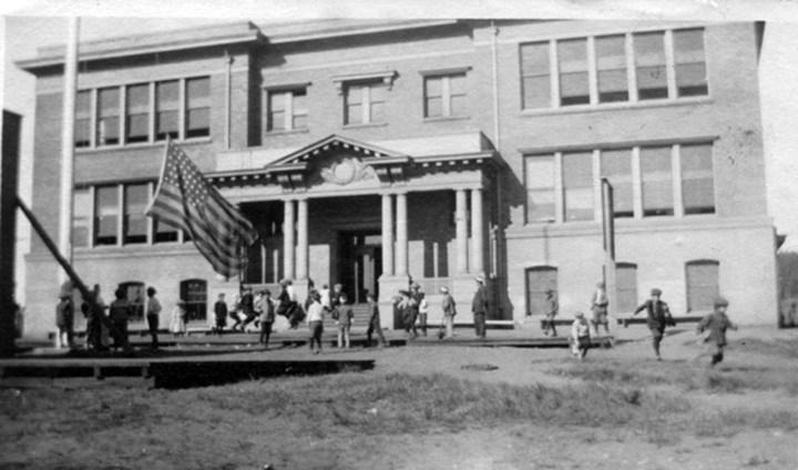 1910s-Sunnyside-School-