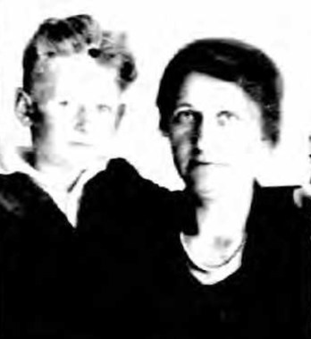 Arvid and Anna Ekenberg, in 1921 passport photo. From ancestry.com.