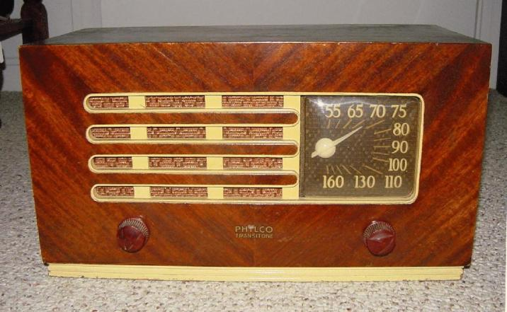 1948 Philco radio. TubeRadioland.com