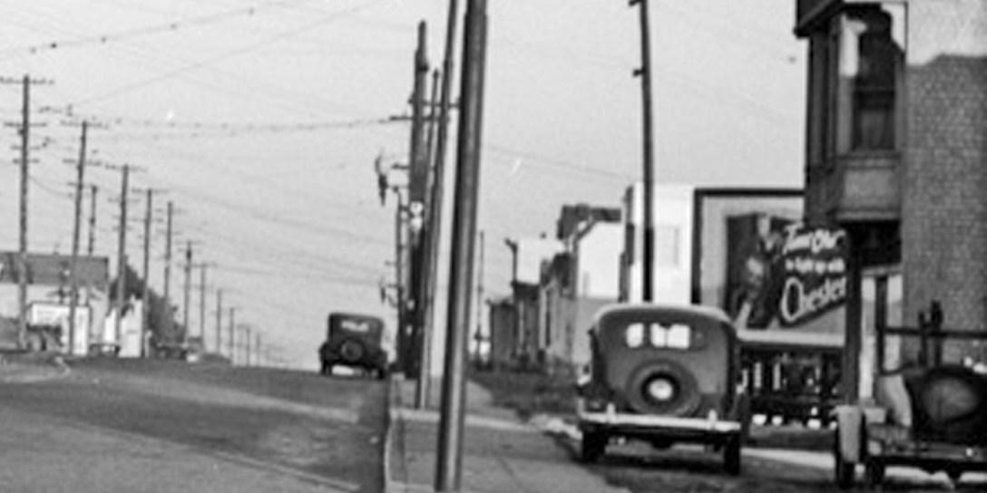 1942. Monterey near Detroit. OpenSFHistory.org.