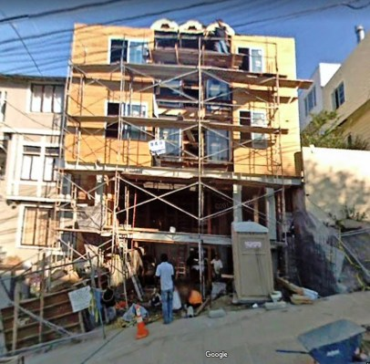 Nov 2007. 375-377 Diamond Street being renovated. Google Streetview.