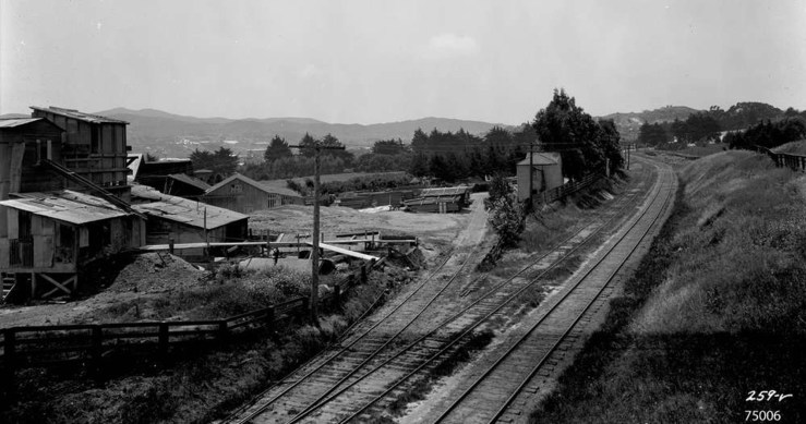 1923. View south from near Judson Avenue at the Southern Pacific railroad tracks. Photo:Western Railway Museum 259-V.