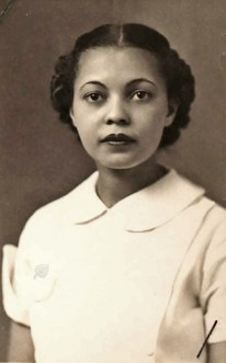 1937-Marian-Hinds-King-beauty-operator-license-s