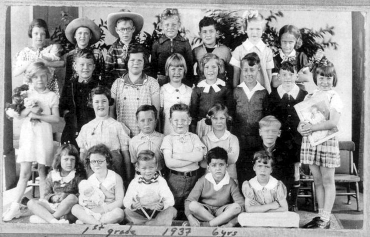 First grade, Sunnyside School, 1939. Courtesy Bill Wilson.