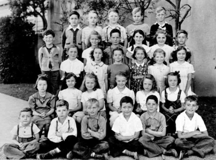 Second grade, Sunnyside School, 1942. Courtesy Bill Wilson.